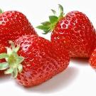 Гигиеническая помада Nivea: состав серии Жемчужное сияние, вкусы клубники и вишни, отзывы