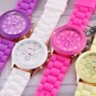 Женские наручные часы (124 фото): модные брендовые модели 2022, белые и черные, как выбрать предложение от лучшей марки