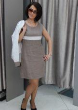 27227438657 Дамам с пышными формами рекомендуются льняные платья свободного кроя.  Пышные модницы с выраженной талией могут подчеркнуть ее ремешком.