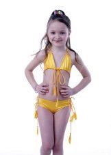 0ac05184991f2 Выбор купальника для девочки для бассейна или пляжа – выбор непростой, где  важно учесть не только подходящий размер и то, насколько будет удобно  малышке в ...