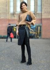 ... не только практичными, но и красивыми. Многие женщины в нашей стране  предпочитают носить куртки. Еще одним необходимым атрибутом является  ветровка. 9371be400e7