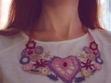 Бижутерия на шею (46 фото): женские украшения в виде крупных длинных подвесок