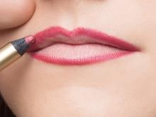 Как с помощью макияжа увеличить губы? Как визуально сделать больше при помощи контуринга, придать объем и сделать пухлыми