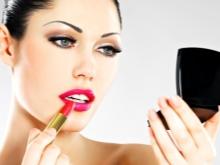 Макияж под розовое платье (34 фото): make-up для блондинки или брюнетки на выпускной под нежно-розовый наряд