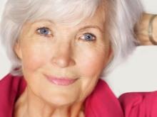 Макияж после 50, который молодит (32 фото): make-up с лифтингом для женщины 55 лет, пошаговое руководство и простые правила