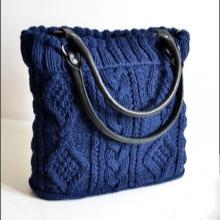 69f686d2ef0e Особой популярностью вязаных сумок пользуются сумки стандартного типа  «через плечо». Также не отстают от них и миниатюрные сумки «пляжного» типа.