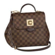 """8590c30fa0fb Ценовой диапазон сумок Louis Vuitton в России начинается от 70 000 рублей.  Бренд не включает в себя таких терминов как """"оптовая"""" и """"ликвидационная""""  цена."""