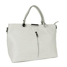0385011666ba Сумки бренда «Виктория Бекхэм» совсем недешевые. Но не нужно жалеть деньги  на сумку — ведь она нужна женщине каждый день, а это намного чаще, чем  платье.