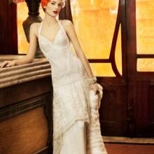 7f227857fe0d6a9 Это популярные утонченно аристократичные вечерние платья, которые и сейчас  нередко встречаются на красных дорожках. Мода 40-х ...