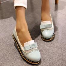 4a84aae52 ... туфли на низком ходу, без каблука. На первый взгляд кажется, что такие  модели обуви выглядят слишком скучно и обыденно.