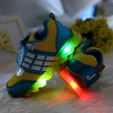 83cf8df9 Если вам необходим подарок для своего ребенка, купите светящиеся кроссовки.  Они выделят его из толпы и подчеркнут индивидуальность.
