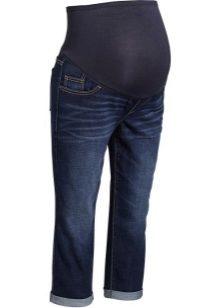 c9e6b86dae13 Еще один интересный и простой вариант – сделать из обычных джинсов….комбинезон!  Это не так сложно, как кажется на первый взгляд.