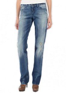 01dc234a581 Классические женские джинсы (96 фото)  с чем носить