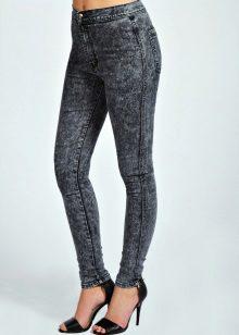 8b09e676f4c Длинноногим высоким красавицам можно носить джинсы с завышенной талией с  балетками. Помните