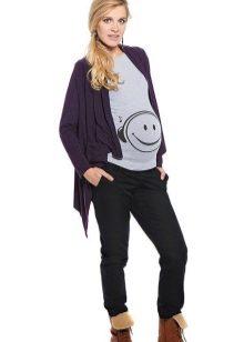 6d890fa9fc85 Черные брюки для беременных – довольно практичный экземпляр одежды на каждый  день.