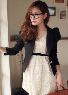 Короткое платье и пиджак фото