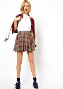 Девушки в юбках шотланках эро