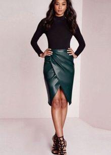 Самые красивые и сексуальные и обтягивающие кожаные юбки и платья