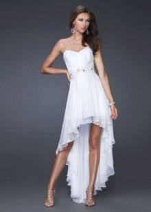 4ec62951187c706 Сам шлейф может быть кружевным, атласным или шифоновым, быть длиною до  щиколоток или стелиться по полу. Платье со шлейфом обладает особой  притягательностью ...