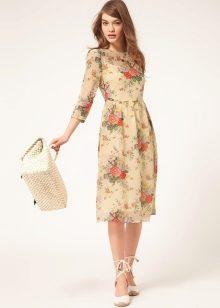 Шифоновые платья с отделкой