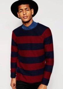 a7ea9d6c4 Для мужской одежды в новом сезоне преимущественно используются тёмные  оттенки красного цвета. Их дополняют тёмно-синий, чёрный или серый цвет.