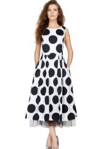 e0504dea071 Средняя величина принта – идеальный вариант. Такие платья выглядят  элегантно