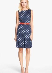 a3881d6724b Такие платья хороши в любом фасоне. Часто дизайнеры украшают голубые нежные модели  белым воротничком или кружевом. Аксессуары и обувь к таким платьям также ...