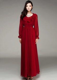 871fea7a94f Кстати платья с кружевной кокеткой и длинным кружевным рукавом присутствуют  в коллекциях ...