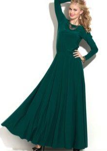 c86838978ab Вечернее платье с кружевными или полупрозрачными длинными рукавами тоже  является одним из неизменных хитов продаж
