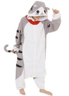 Среди всего многообразия пижам популярностью сейчас пользуются кигуруми.  Эта мягкая и удобная одежда хороша не только для сна. В этих японских  костюмах ... d77090e69981f