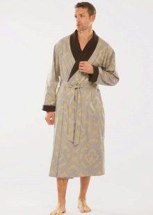 06df2a3fc910e Шелковый халат выглядит отлично в любом цвете, это всегда символ роскоши  домашнего уюта. Поэтому приобретая такой халат, не стоит экономить на  средствах, ...