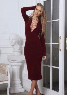 Бордовое платье лапша с чем носить