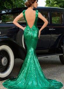 2f243457503 Для данного фасона характерна длина макси. Длинные платья с открытой спиной  обычно выполняются из легких материалов