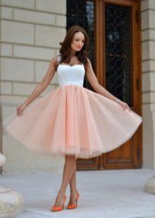 493b76b1af2 Платье с пышной юбкой (96 фото)  до колена миди