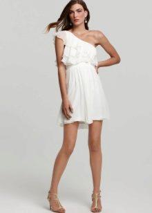 ff9f09625ea Платье с воланом на плечах (67 фото) 2019  длинное