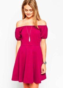 Уместно ли красное платье для повседневной носки