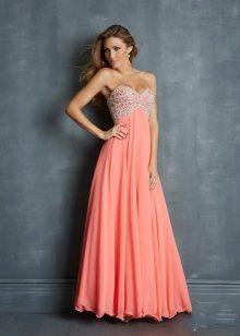 26068db0378e624 С чем носить коралловое платье (113 фото): макияж, маникюр, в пол ...