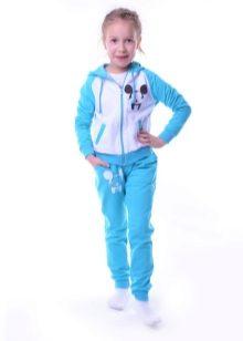 ad193386 Спортивные костюмы для детей выпускают разных расцветок, с нашивками,  капюшонами, карманами, завязками. Основная функция детской одежды для  занятий спортом ...