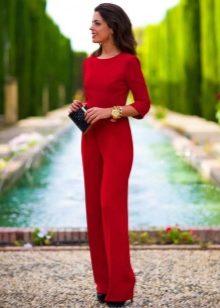 a85f5cf7385 Женские вечерние комбинезоны уже давно появились в модном мире и сейчас  являются почти полноправными конкурентами вечерним платьям.