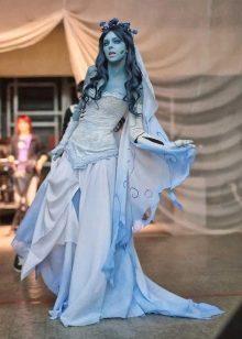 Дракула в голубом платье