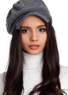 В этом сезоне модные женские кепки являются самым актуальным трендом. От  других головных уборов кепку отличает наличие козырька. 195b55761cbe3