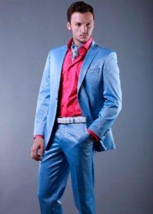 Для смокинга характерен удлиненный однобортный или двубортный пиджак с  атласными или шелковыми в рубчик лацканами. Рубашку надевают с  воротником-стойкой. 12b13db251b
