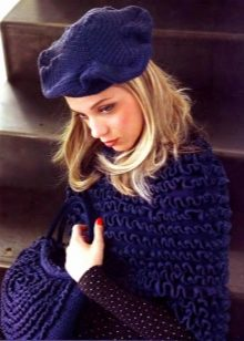 http://wlooks.ru/images/article/cropped/220-308/2016/12/shapka-beret-26.jpg
