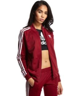5c8ca3bc Спортивный женский костюм «Адидас» - универсальная вещь. Правильно выбрав  модель, его можно надеть не в спортивный зал, а на вечеринку.