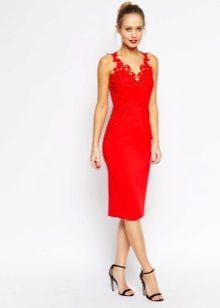 Фото красное платье и чулки