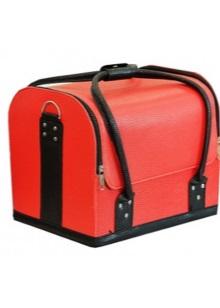 9ef218d24cb8 По дизайну такие аксессуары отличаются огромным разнообразием – это может  быть и стальной саквояж, и чемодан в форме яблока, и бархатная со стразами.