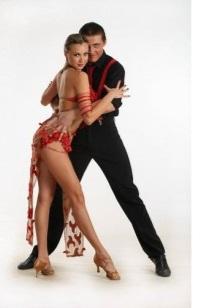 К сожалению, при неправильной экипировке танцора это становится практически  невозможно, а значит, важно трепетно подходить к выбору одежды для танцев. 2482eaafd11