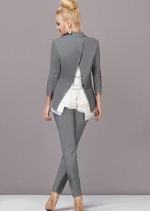735a91e609b Красиво смотрится на любой фигуре офисный костюм с классическим кроем и  завышенной линией талии. Выгодный акцент зоны декольте обращает внимание на  ...