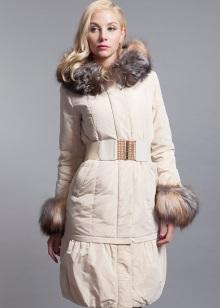 0c2c8a0e1a5d Каждая женщина в зависимости от стиля одежды, который она предпочитает  носить, сможет выбрать модель зимней верхней одежды на свой вкус и в то же  время ...
