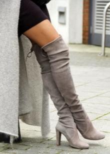 c310a66ef4ef8 Сапоги-чулки 2019 (91 фото): высокие женские ботфорты, с чем носить ...